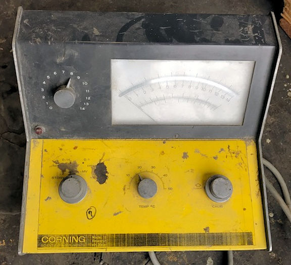 Corning Scientific Instrumente Model 12 Ph Meter