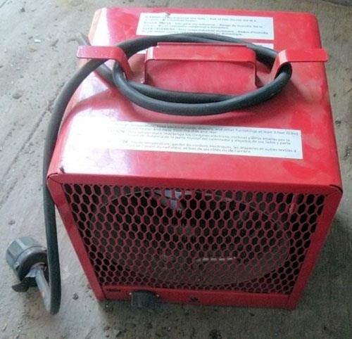 6 Units - DAYTON Model 3VU35A Heavy Duty Electric Space Heaters, 3600/4800 Watts