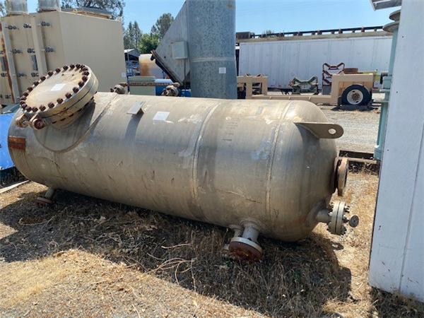 "CONTINENTAL BOILER WORKS Air Receiver Tank, 48"" dia. x 10'4"" H, 468 psi @ 400 deg.F, stainless steel"