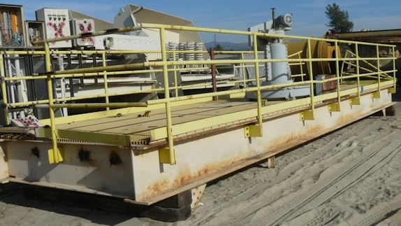 EIMCO 30' Thickener Mechanism. Previously with 30' x 20' H Tank. Includes Lift Mechanism, bridge and rake assembly