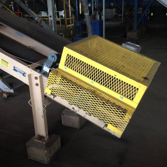 "Meco 18"" W X 20' L Rotex Trash Screen Undersize Transfer Incline Conveyor With 3 Hp Motor"