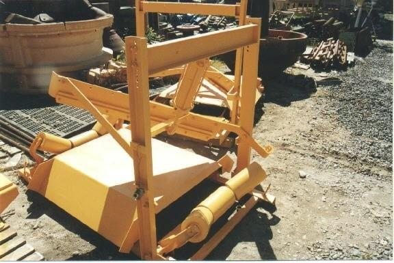 "NORDBERG 30"" Material Diverter, with air ram"