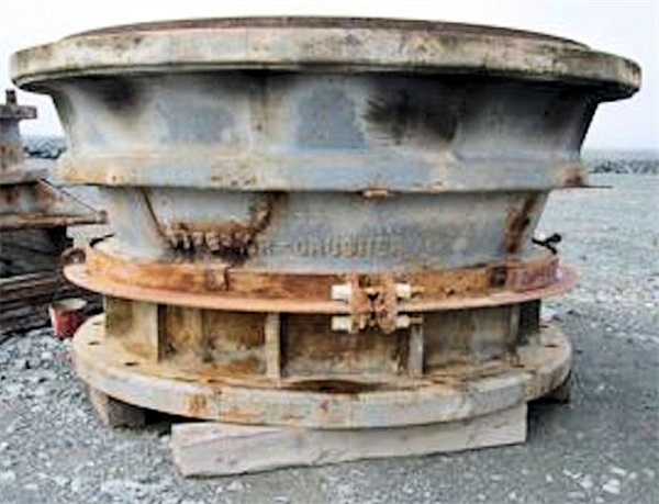 BOLIDEN ALLIS CHALMERS Model 4265 Superior Gyratory Crusher, 350 HP motor