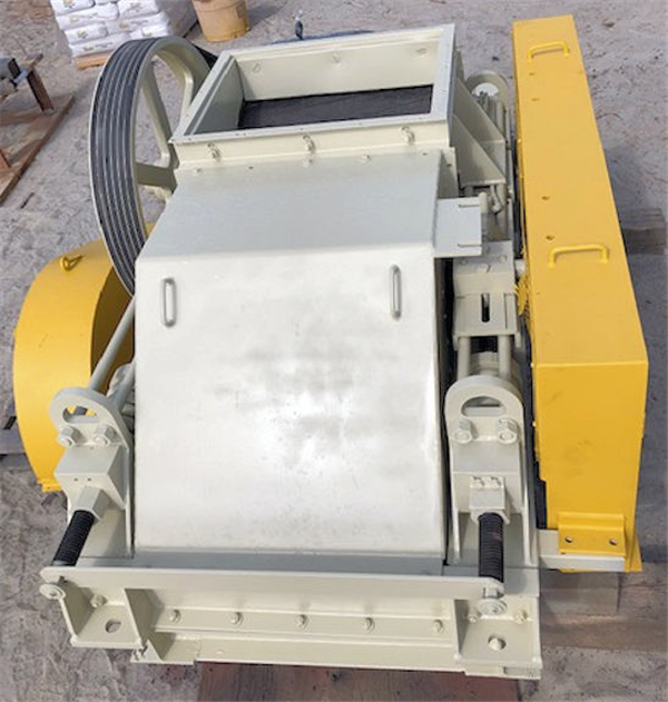 "4 Units - Jeffrey 24"" X 30"" Double Roll Crushers, Each With 25 Hp Motor"