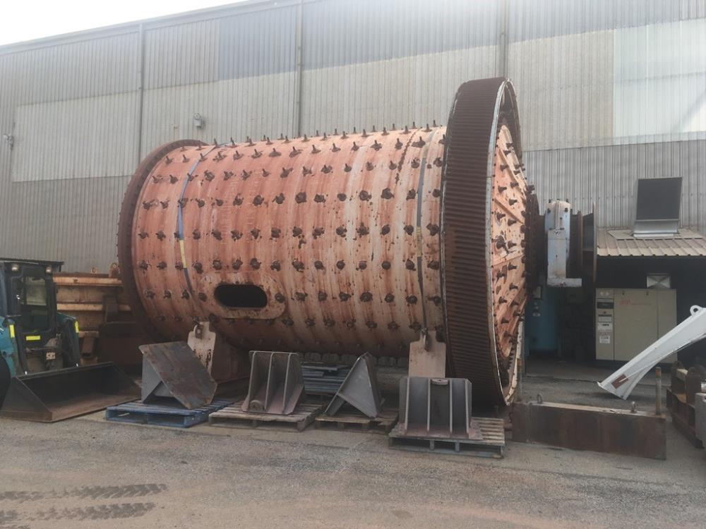 "ALLIS MINERAL SYSTEMS AUSTRALIA  10'10"" x 16' (3.3m x 4.87m) Rod Mill with 710 kW (950 hp) motor."