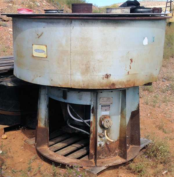 SWECO Model DM-20L Vibratory Mill