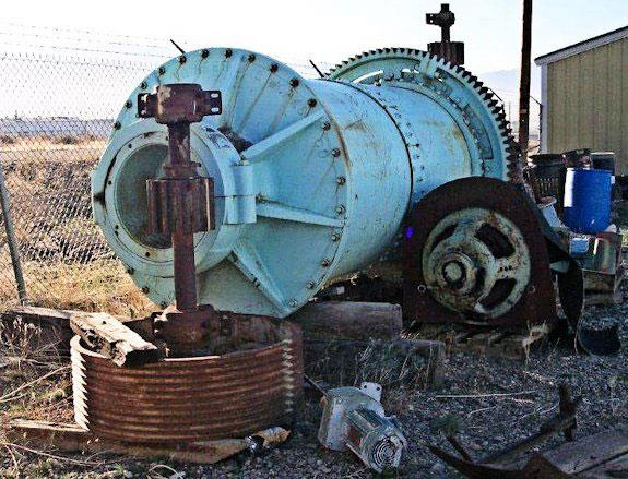 Denver 4' X 9' Ceramic Lined Ball Mill With 75 Hp Motor
