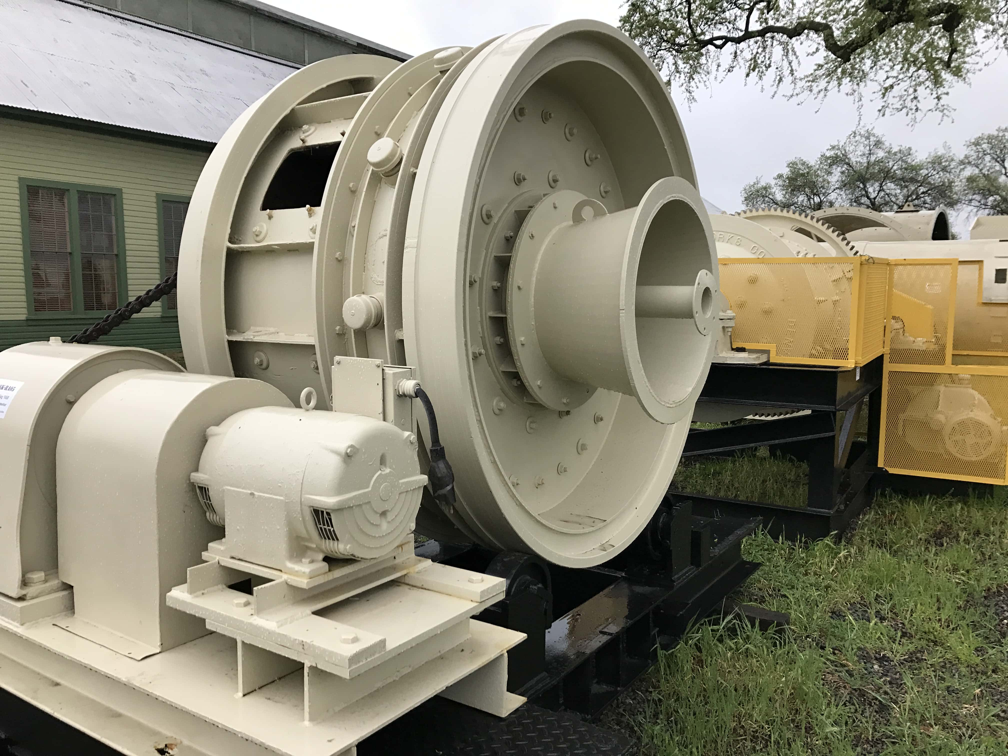 5' X 3' (1524mm X 914mm) Sag Mill With 20 Hp Motor