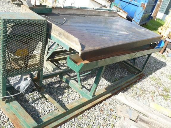 "3'8"" x 8 Gold Table Concentrator, Right-Hand, with Dayton 1/2 HP Motor"