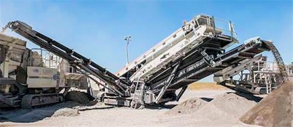 METSO Lokotrack ST3.8 Mobile Double Deck Screen